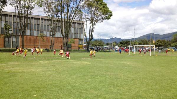 Escuela de Futbol saludclub engativa